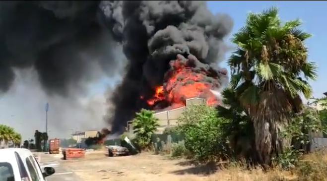Huge fire at Haifa oil plant