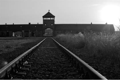 jewish kid grandson of nazi commander at auschwitz