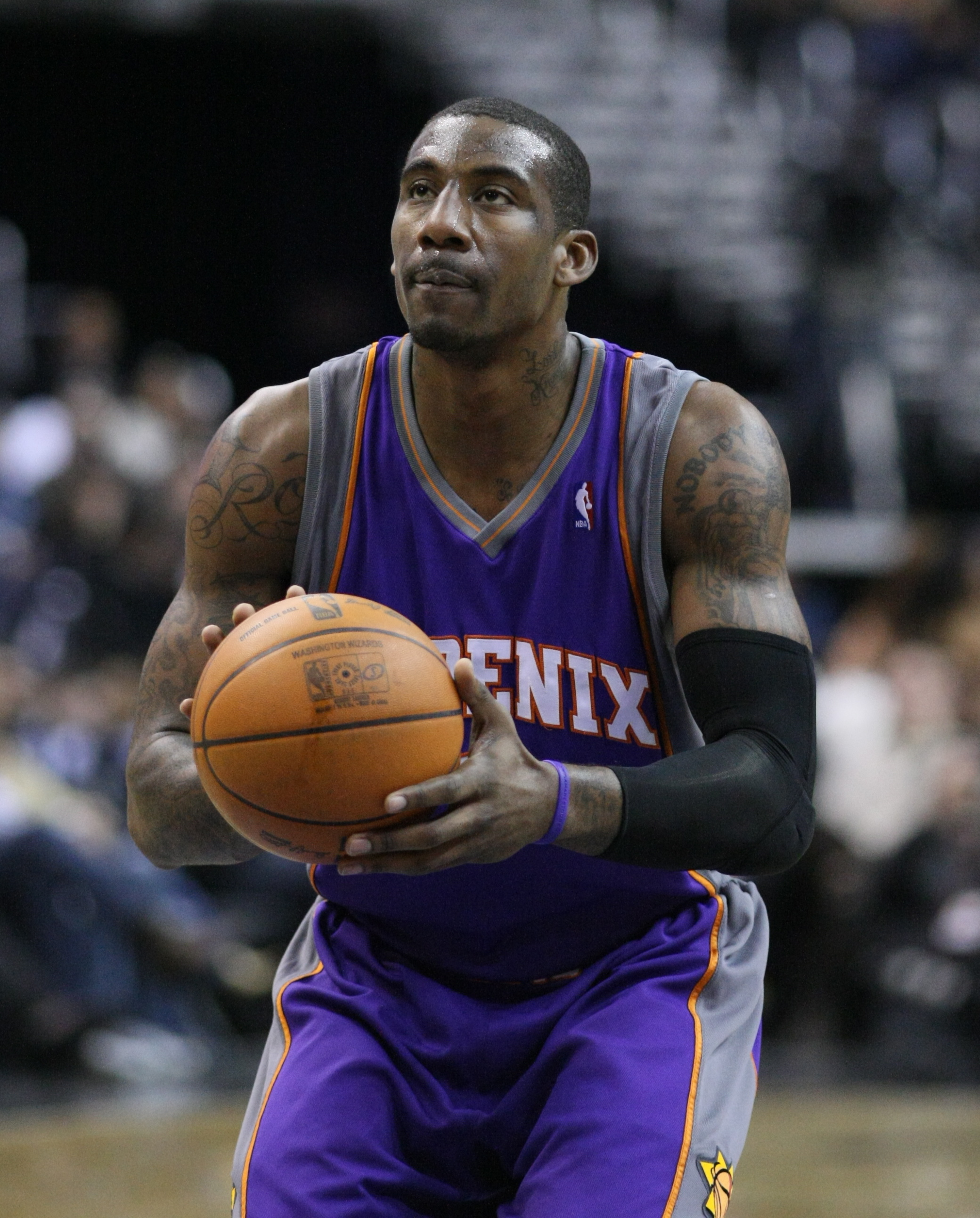 e7b9e10ed Jewish Basketball Fans Bid Farewell to Retiring Star Amare Stoudemire