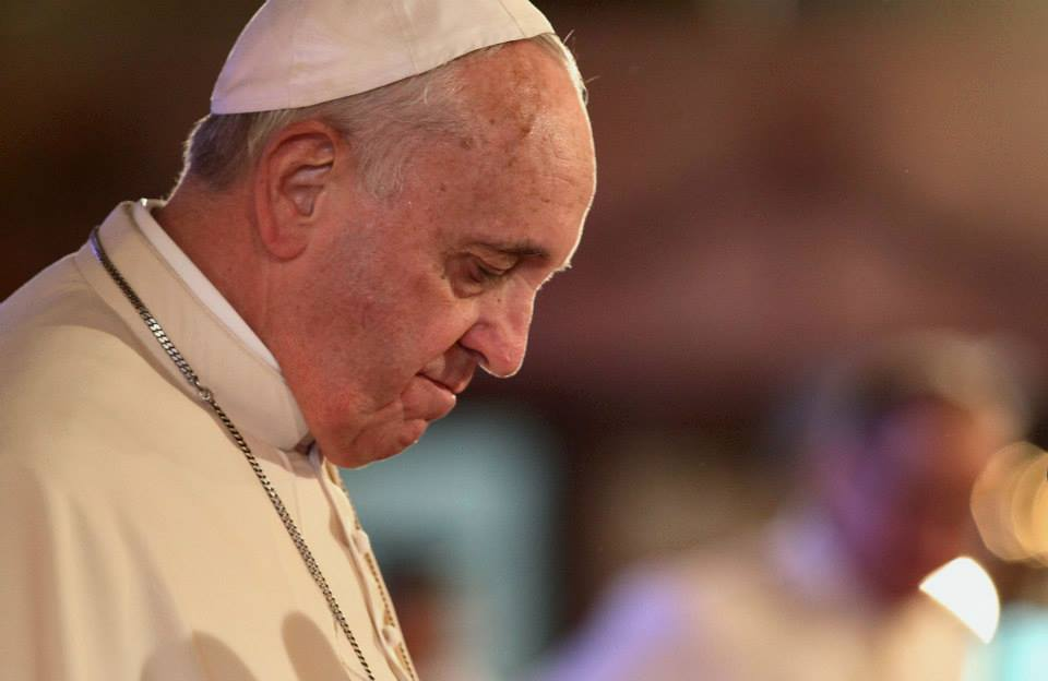 pope francis warns of antisemitism